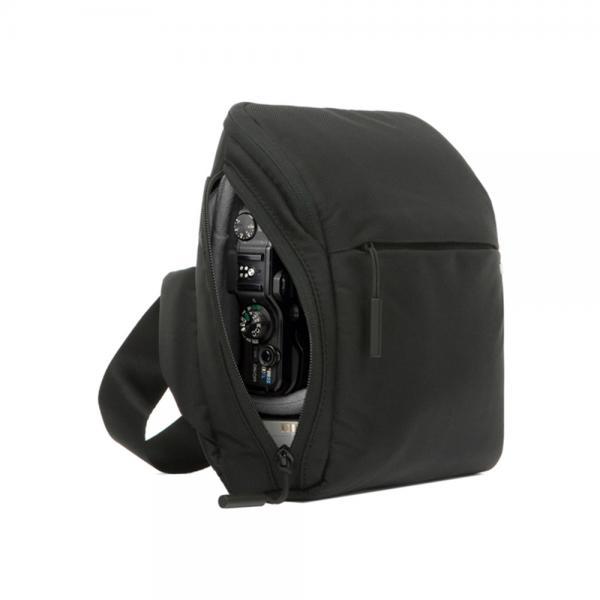 incase POINT & SHOOT FIELD BAG
